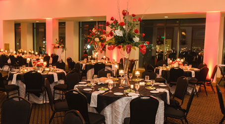 wedding reception set up by lynn's catering of tampa