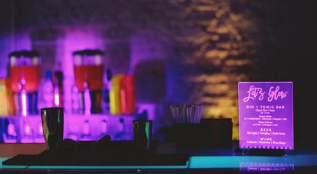 Glow in the dark gin tonic bar